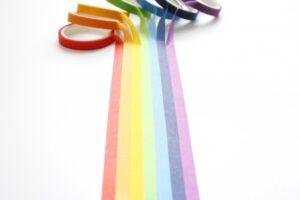 明るい未来へ進む 虹色